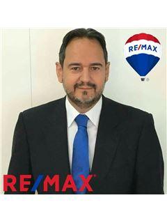 Martin Hernández REMAX Axis
